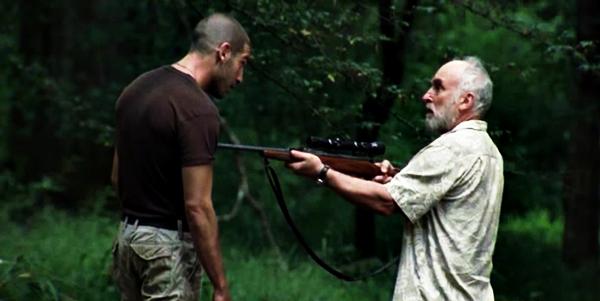 File:Dale-points-gun-rifle-at-shane-walking-dead-jon-bernthal-jeffr.png