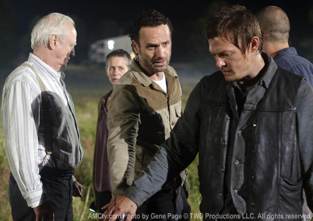 File:Episode-11-rick-daryl.jpg