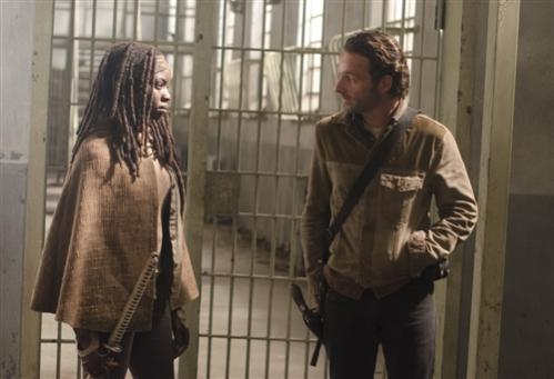 File:Michonne Rick Welcometothetombs.jpg