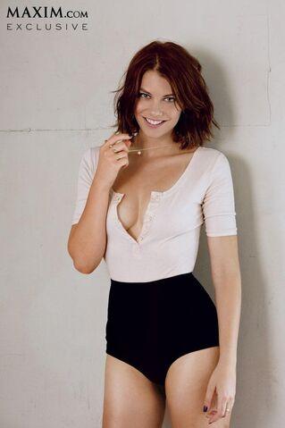 File:Lauren Cohan sexy maxim 5.JPG