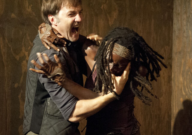 File:Michonne vs Philip.jpg