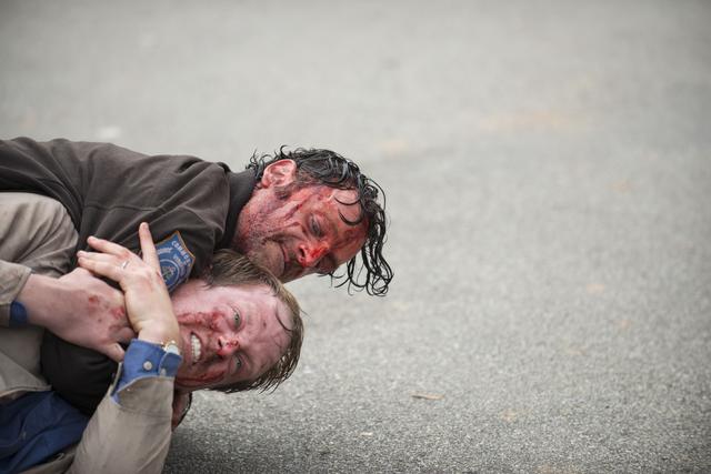 File:AMC 515 Rick Choking Pete.png