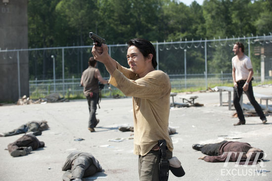 File:Ep 4 Glenn shooting.jpg