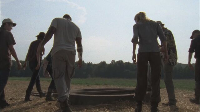 File:2x04-Cherokee-Rose-the-walking-dead-28027145-1280-720.jpg