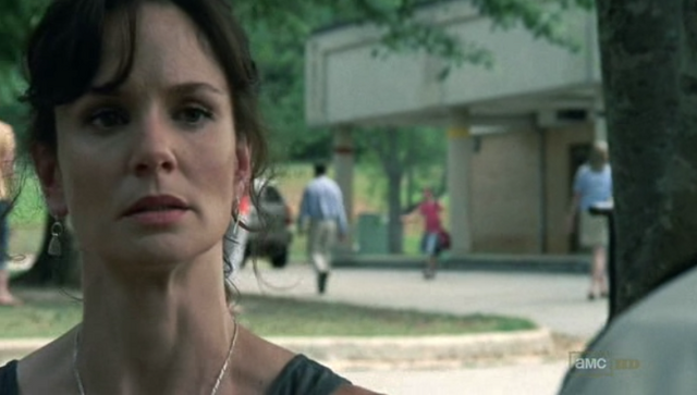 File:Lori Grimes (TV) 10.png