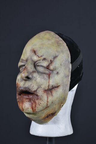 File:Bloated Walker Face Mask 2.jpg