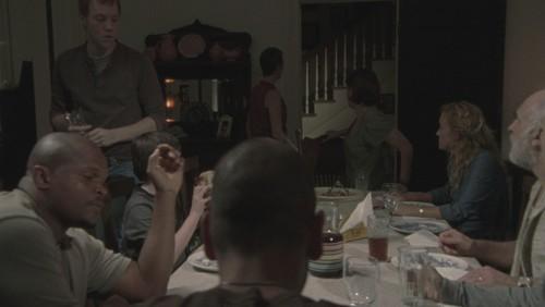 File:Dinner 2x09.jpg