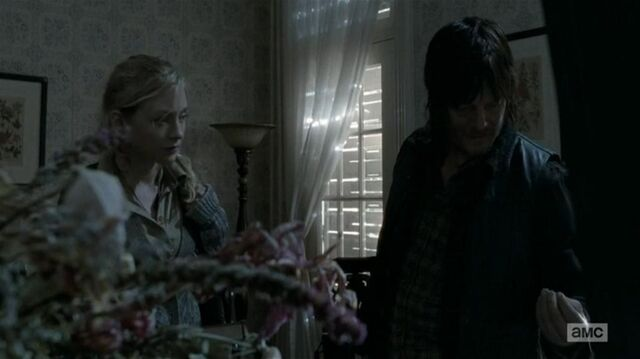 File:Beth and Daryl inside the funeral home.JPG