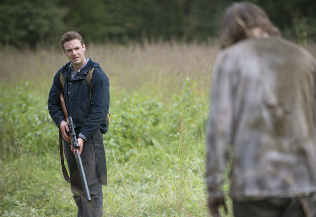 File:AMC 513 Walker Approaches Aaron.png
