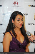 Viviana-chavez-2011-wizard-comic-con-1iY2ON