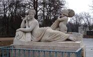 Pałac na Wodzie (rzeźba Wisła)