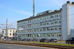 Instytut Lotnictwa i EDC Polska Aleja Krakowska.JPG