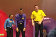 JeffSleepinginTheWiggles'Dance!Tour
