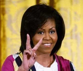 File:MichellePeaceSignCroppedSQR.jpg