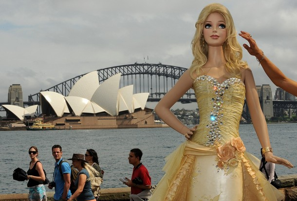 File:BarbieCakeSydneyHarbour.jpg