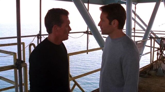 File:John Doggett and Fox Mulder on Galpex Orpheus.jpg
