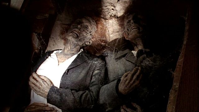 File:Mulder and Scully deceased.jpg