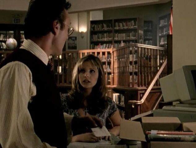 File:Buffy Summers and Rupert Giles discuss Xander Harris.jpg
