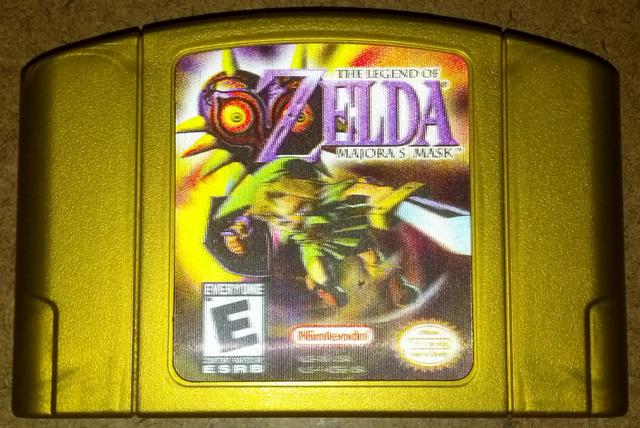 File:The Legend of Zelda - Majora's Mask Gold Holographic Cartridge.png