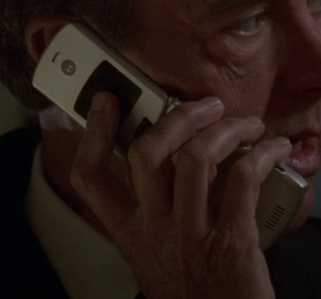File:5x18 Logan phone.jpg