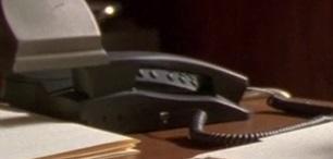 File:5x06 office phone.jpg