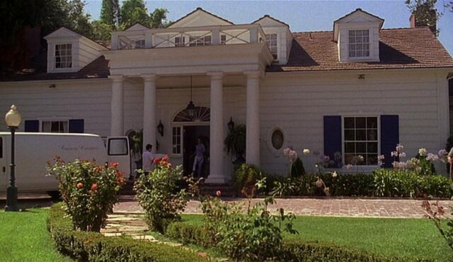 File:2x02 Warner house.jpg