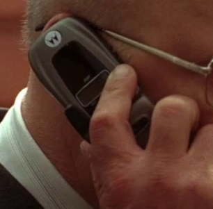 File:5x04 Mike phone.jpg