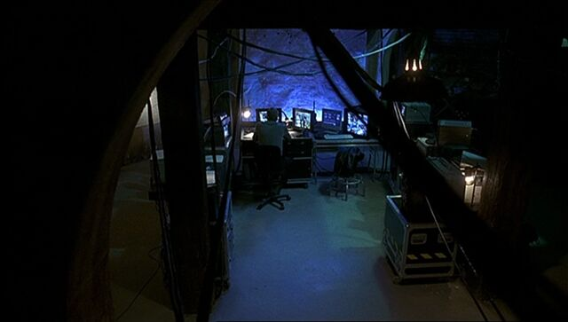 File:1x06 Gaines room.jpg