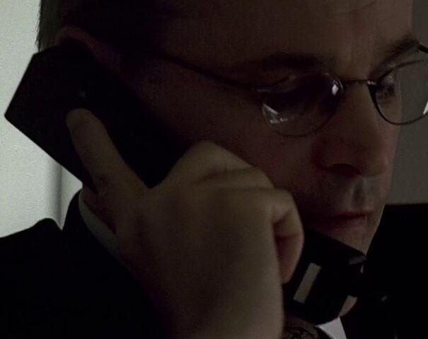 File:1x10 Andre phone.jpg