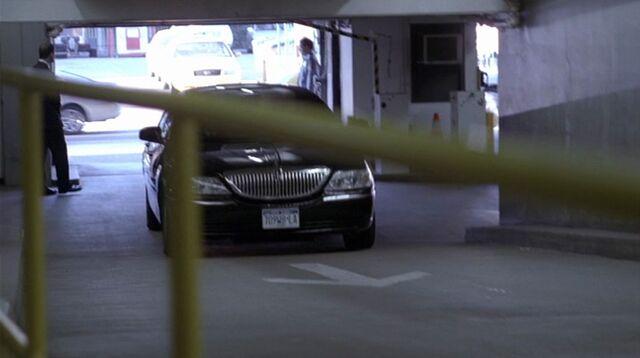 File:8x18 UN garage.jpg