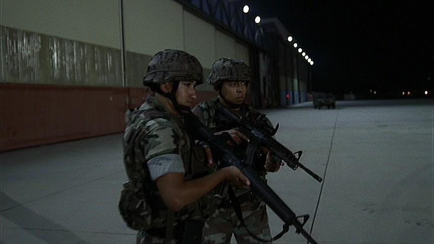 Image 6x01 armed airport wiki 24 fandom for Bureau raid crew