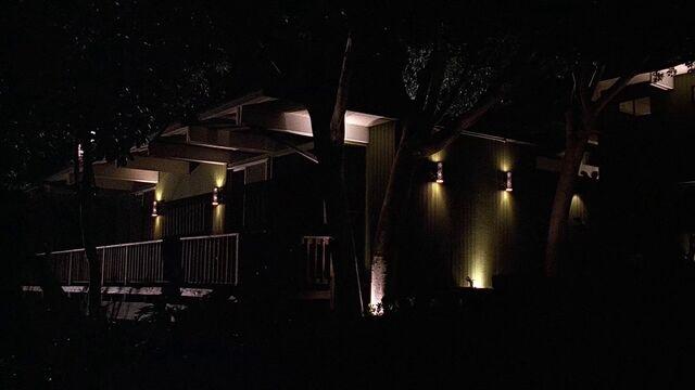 File:3x17 Diana White's house.jpg