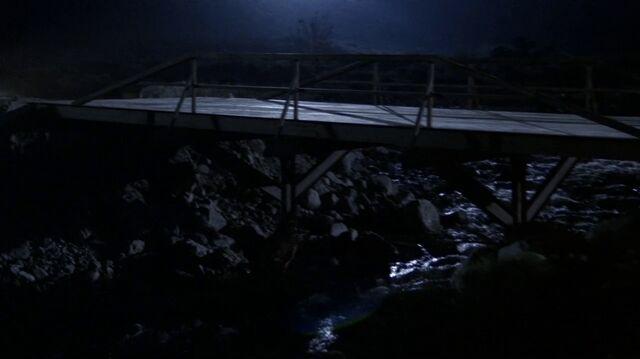 File:4x17 bridge.jpg