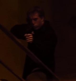 File:2x18 alley gunman1.jpg