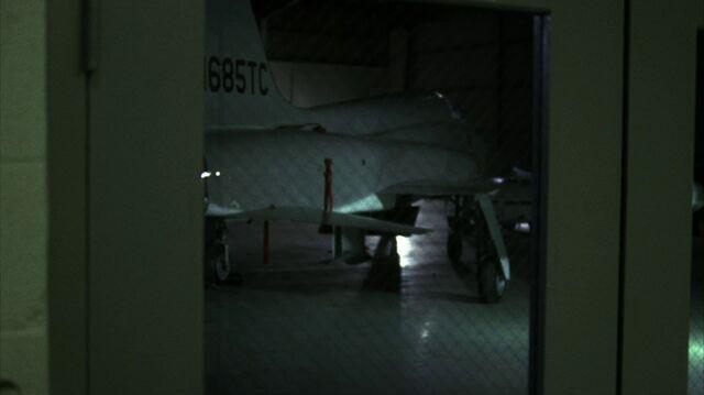 File:4x14 hangar.jpg
