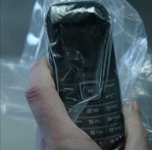File:9x02 Chloe phone.jpg