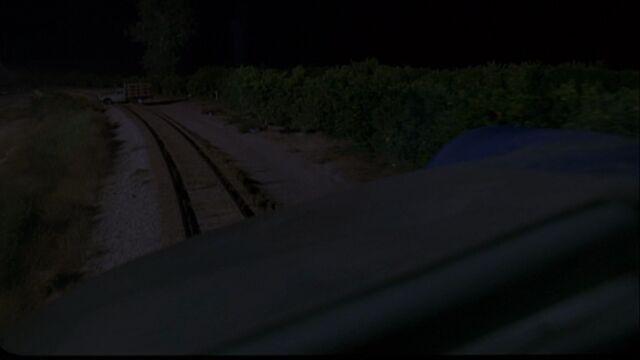 File:4x01 Train track.jpg