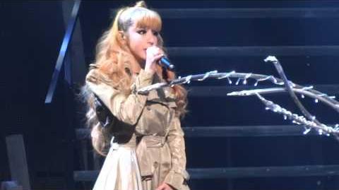 2NE1 It Hurts New Evolution L.A