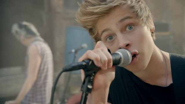 File:5 Seconds of Summer - She Looks So Perfect - 5 Seconds of Summer Wiki (38).png
