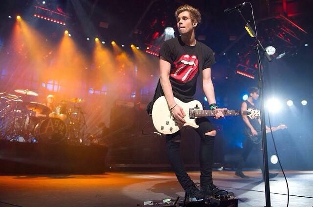File:Itunes music festival 2014 5 seconds of summer (42).jpg