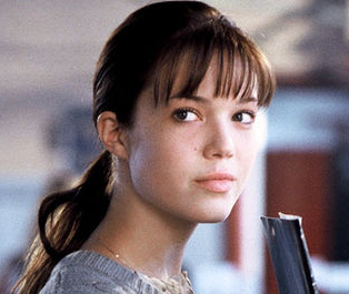 who is the protagonist in the book a walk to remember A walk to remember book summary and study guide  opinion about the main character:  in a walk to remember sparks draws the reader in the town of beaufort, nc.