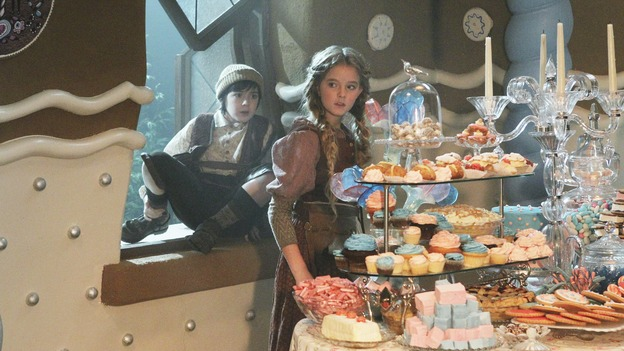 File:OUAT Hansel and Gretel house 01x09.jpg