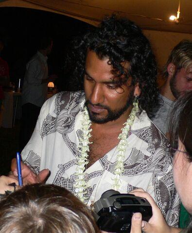 File:Naveen Andrews.jpg