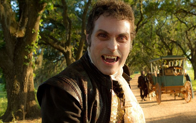 File:Rufus-sewell-in-abraham-lincoln-vampire-hunter1.jpg