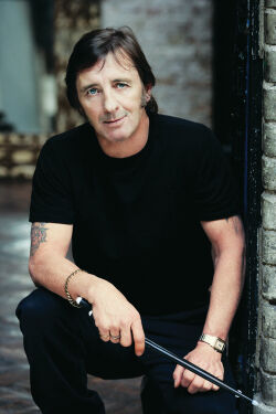 Plik:Phil Rudd.jpg