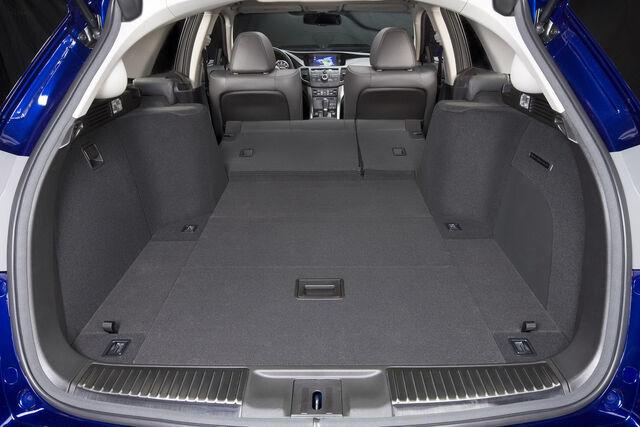 File:2011-Acura-TSX-Sport-Wagon-24.jpg