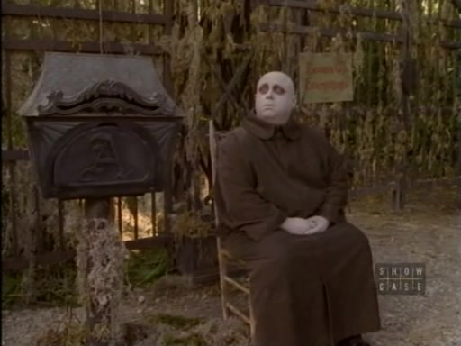 File:The.new.addams.family.s01e05.fester's.punctured.romance047.jpg