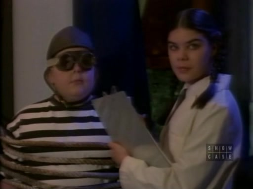 File:The.new.addams.family.s01e38.close.encounters.of.the.addams.kind026.jpg