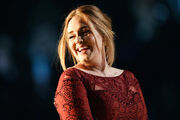 Adele-grammys-in-and-out-21616-620x413