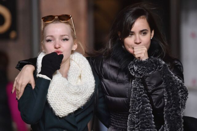 File:Dove-cameron-and-sofia-carson-attends-the-89th-annual-macy-s-thanksgiving-day-parade-rehearsals-day-2-in-new-york-city 1.jpg